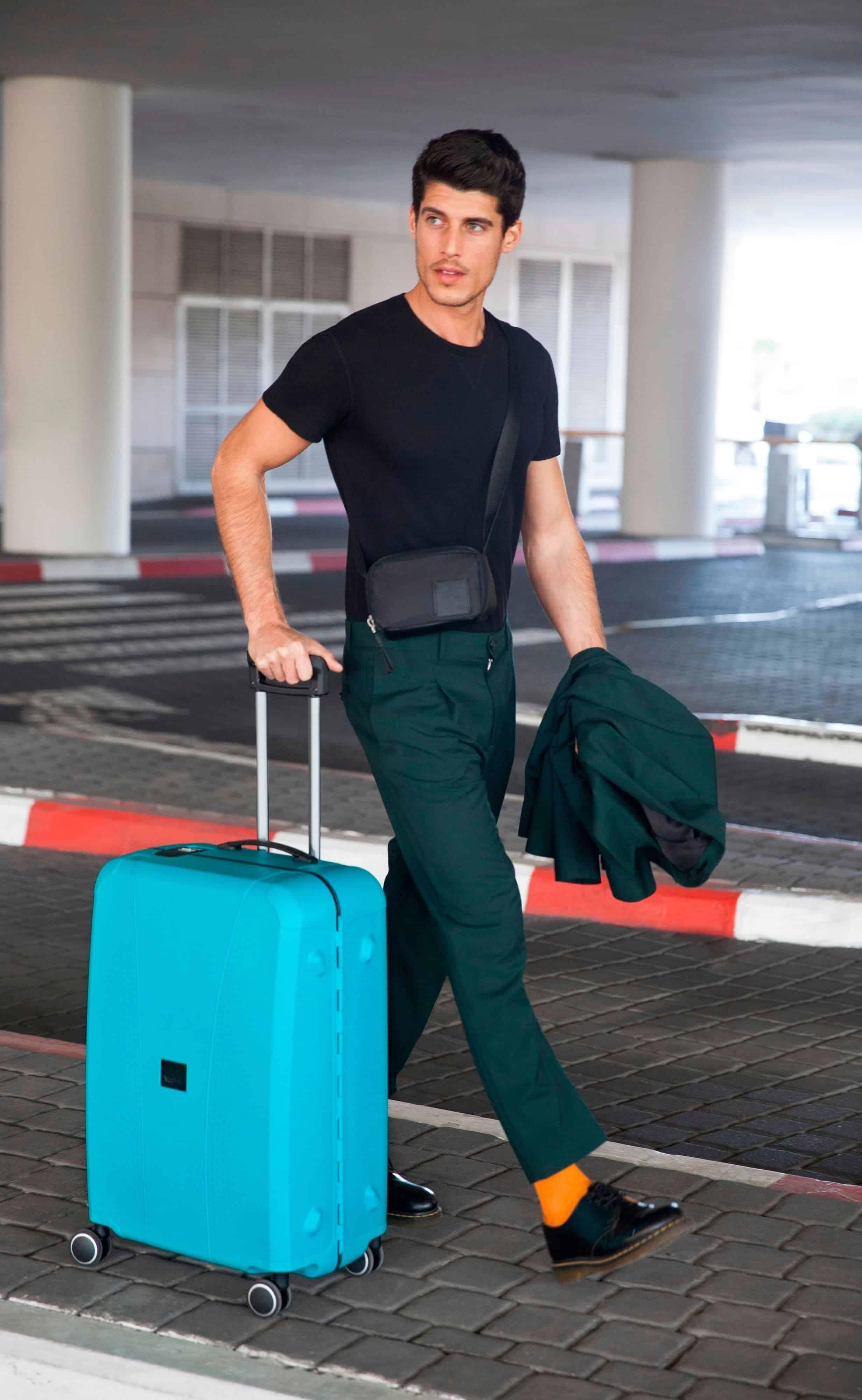 מזוודה חכמה רולינק עם מד משקל 2 (1) צילום מירב בן לולו (1)