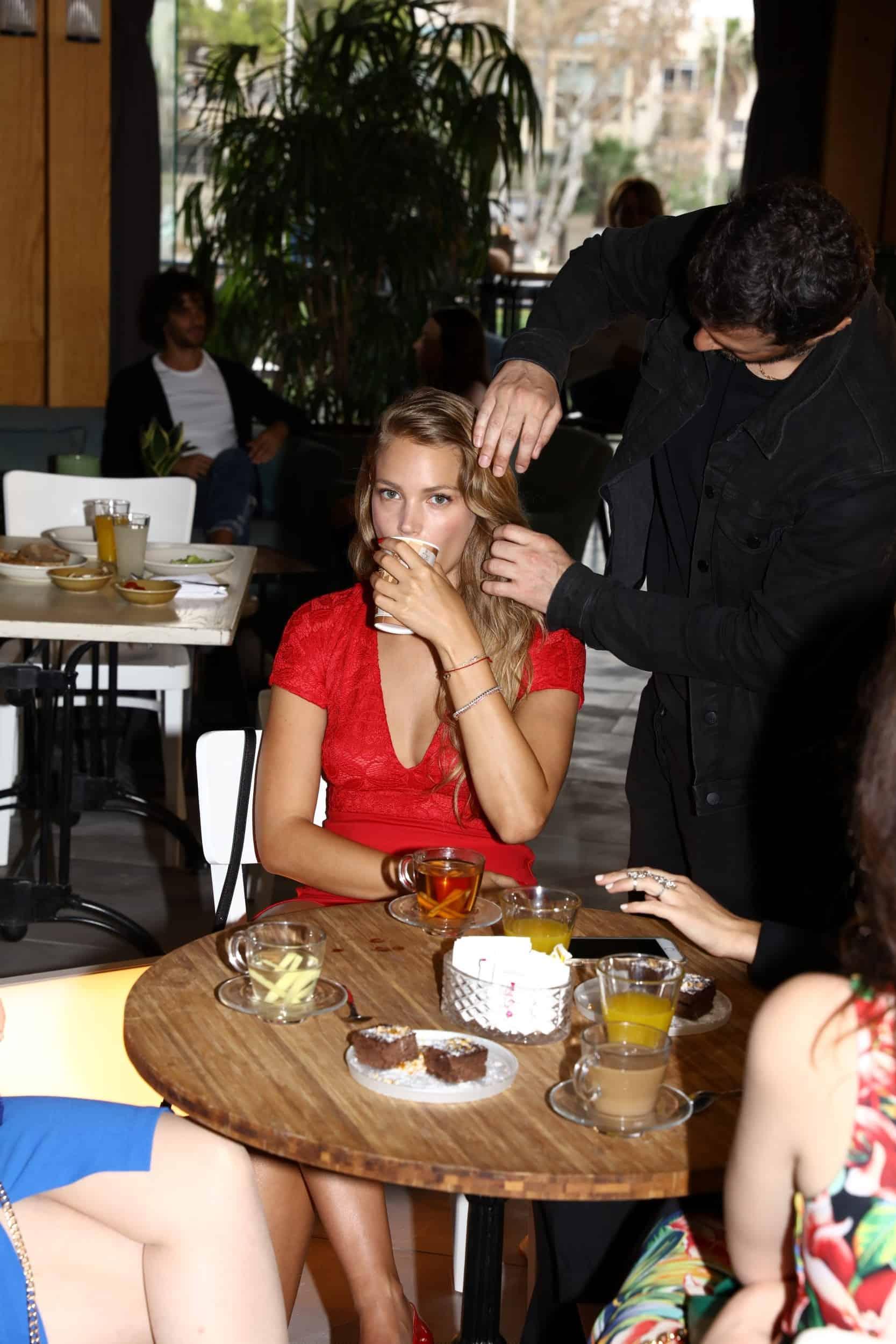 אסתי גינזבורג על הסט של גולברי צילום יניב אדרי (3)